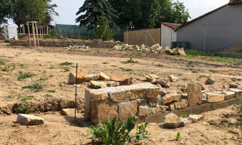 Terénní úpravy, práce s kamenem, stavební práce